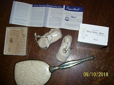 MRS DAYS IDEAL BABY SHOES IN BOX & GUIDE + FREE VINTAGE MIRROR FOR MOM, GIRLS FS