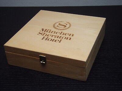 Sammeln - Sheraton Hotel München - Aufbewahrung - Holz Box 18,5 x 18,5 cm - alt