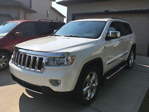 2012 Jeep Grand Cherokee Overland - No GST!