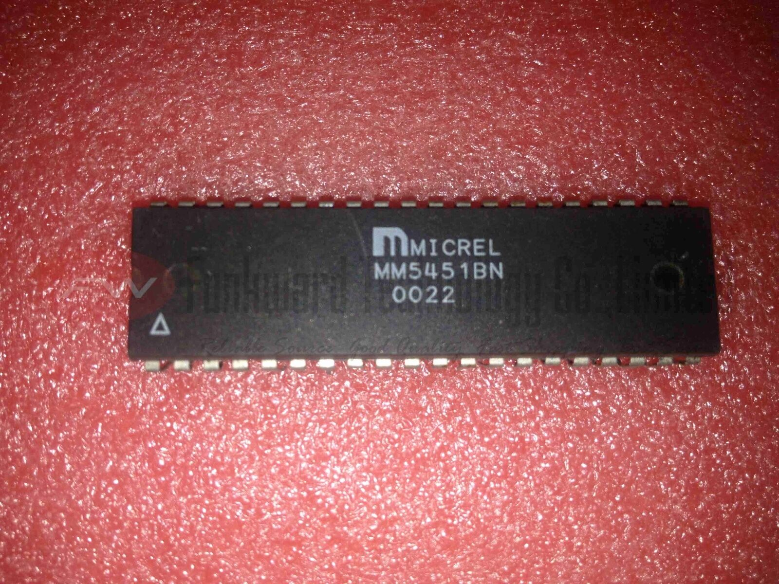 STMicroelectronics M5451B7 LED Display Driver PDIP40 x 1pc