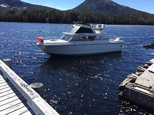 1989 28' cabin cruiser with 06 , Honda 130hp