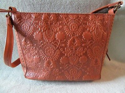 (The Sak NWT Indio Embossed Soft Leather Shoulder Bag 1 Strap Bag! Really Nice!)