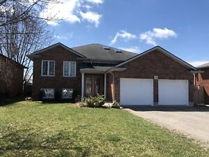 2 bedroom 1700 sq feet lower ALL INCLUDED