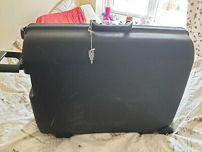 "BLACK VINTAGE SAMSONITE HARDSHELL SUITCASE WITH 2 KEYS  26"" X 21"" X 7"""