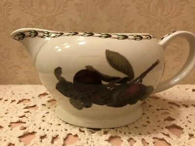 India Gravy Boat - QUEEN'S GRAVY BOAT HOOKERS FRUIT ROYAL HORTUCULTURAL SOCIETY MADE IN INDIA EUC