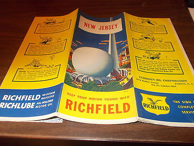 1939 Richfield New Jersey Vintage Road Map / NY World's Fair Art on Cover