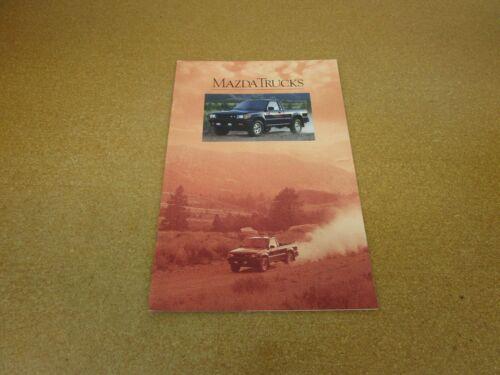 ORIGINAL 1990 Mazda pickup truck B2200 B2600 SE-5 LE-5 sales brochure 18 pg
