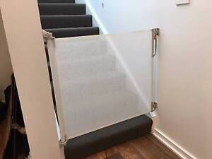 Retractable Safety Gate Franklin Gungahlin Area Preview