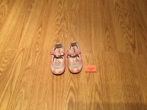 Pink Girl's shoes (Size 7)
