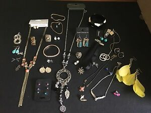 Bulk lot of fashion jewellery Valentine Lake Macquarie Area Preview