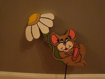 "**NEW** Handmade Wood Lawn Art Yard Decoration Mouse Under Daisy 8"" tall 10""wide"