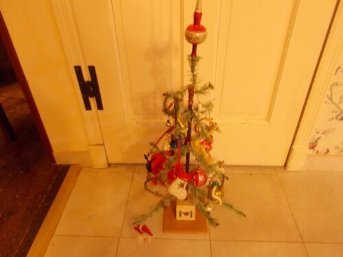 LATE 1800S EARLY 1900S GERMAN TWO FOOT FEATHER CHRISTMAS TREE COMPLETE WITH ORN
