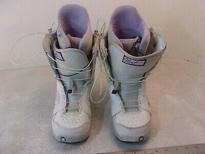 Womens Burton Mint Snowboard Boots white/pink Size 7