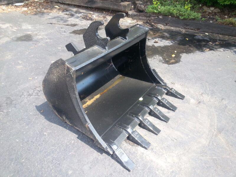 """New 36"""" John Deere 50g Heavy Duty Excavator Bucket"""