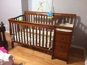 Crib for sale 4 in 1