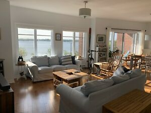 5 1/2 Condo sur Bassin de Chambly (Disp. dec / jan)
