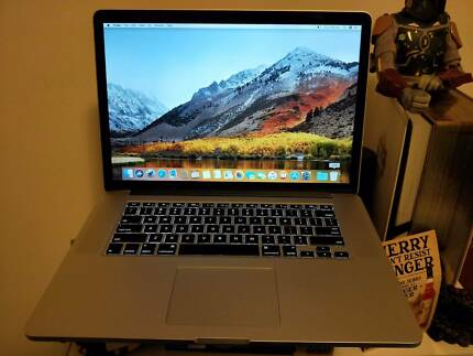 Macbook pro retina 15 inch + extras