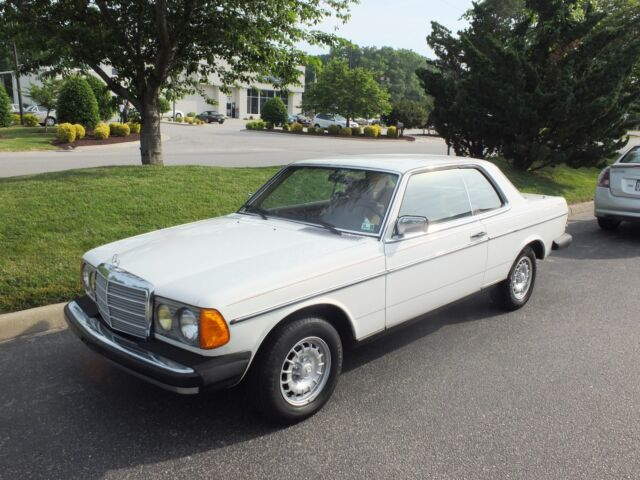 Mercedes-Benz : Other 280CE Coupe 1981 mercedes 280 ce coupe looks runs drives good great daily driver