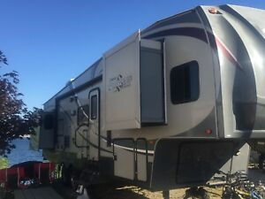 2011 Forest River Wildcat Sterling 32QB fifth wheel