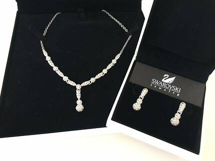 Swarovski necklace and earings Seaford Morphett Vale Area Preview