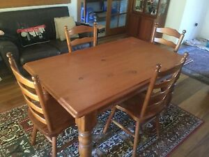 Table and chairs Sans Souci Rockdale Area Preview