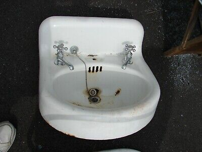 Sinks Wall Mount