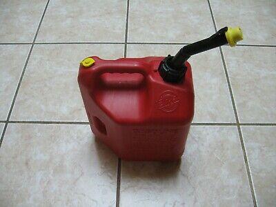 Classic Pre Ban Blitz 2 Gallon 8 Oz. Gas Can Vented Fast Pour Spout Cap