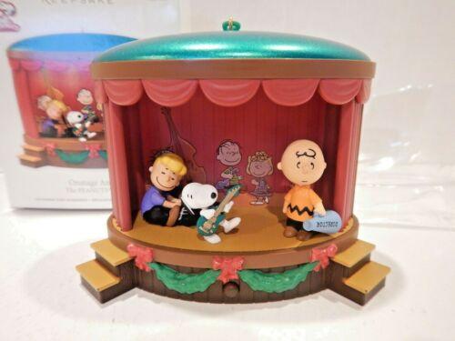 Hallmark MAGIC Peanuts Gang ONSTAGE ANTICS 2012 Snoopy Charlie Brown WORKING