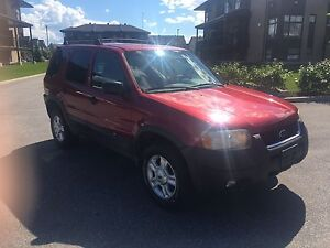 MUST SEE ! 2003 Escape XLT/4X4 with only 131634km !!!