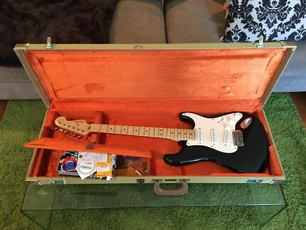 Eric Clapton Fender Stratocaster signature series - never gigged