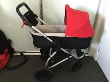 Mountain buggy swift & carry cot. Barely used excellent condition Elderslie Camden Area Preview