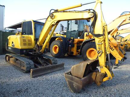 2008 Hyundai R55-7 Mini Excavator / 5.5 Ton With Attachments Brisbane City Brisbane North West Preview