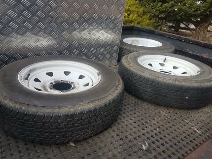 3 trailer tyres on rims, all in good condition
