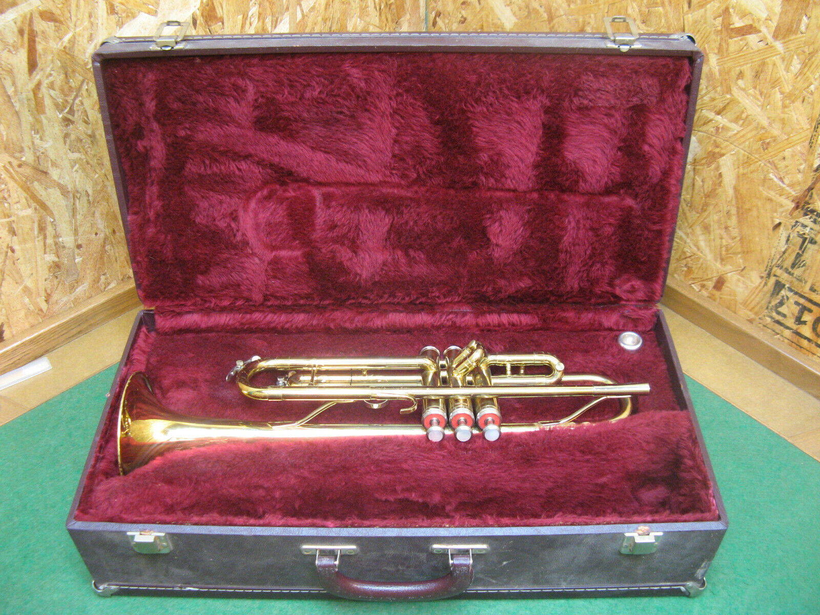 King Tempo Trumpet Model 600 - Ready To Play - Case And Bach 7C Mouthpiece - $227.89