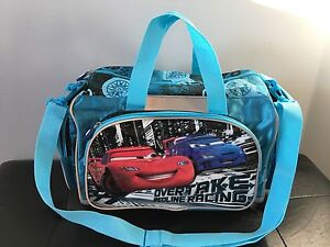 Kids duffle bag in like new condition $15