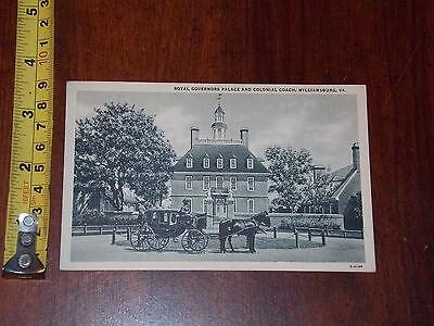 POSTCARD VINTAGE ROYAL GOVERNORS PALACE COLONIAL COACH WILLIAMSBURG VA