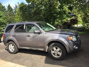 2008 Ford Escape 4 door SUV, Crossover awd 3995.00