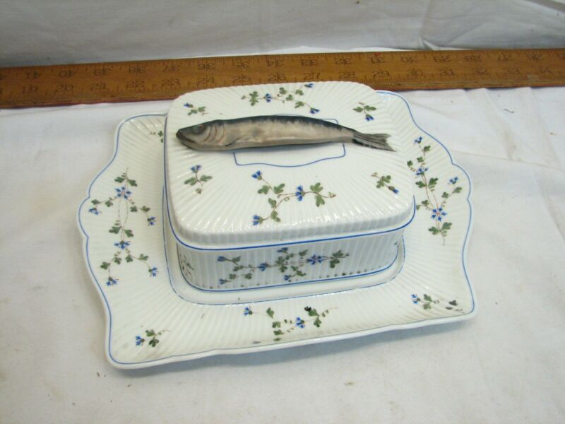 Vintage Mehun France C.P. & Co Sardine Covered Dish Fish Handle Kippers