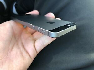Apple iPhone 5s 16GB Factory Unlocked