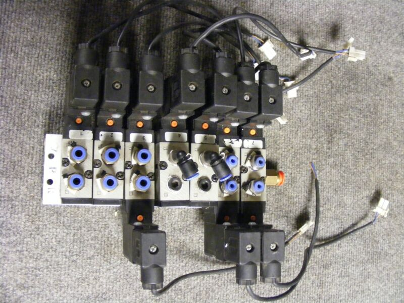SMC 4 Way 5 Port Manifold Bank 21-26 VDC Cat VF3130 & VF3230 as Pictured