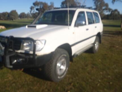 1999 Toyota LandCruiser Wagon 100 series factory turbo Maryborough Central Goldfields Preview