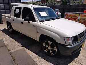 TOYOTA HILUX 2004 MANUAL $5999 Liverpool Liverpool Area Preview