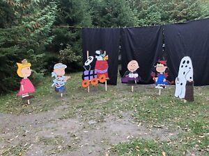 Peanuts/Charlie brown  yard art