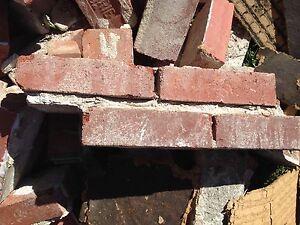 DERNIÈRE CHANCE : Briques d'argile à donner