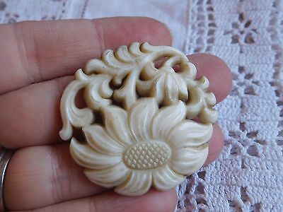 Pretty Vintage 1950s White Lucite FLOWER Brooch