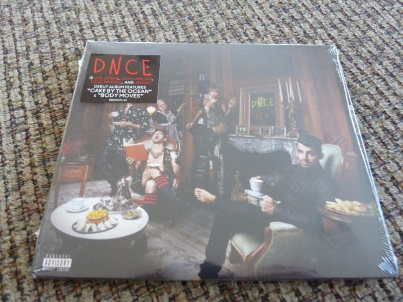 DNCE Explicit Lyrics by DNCE [Republic / Number of Discs: 1 / Rock] [Audio CD]