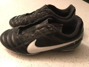 Nike youth soccer cleats size 1.5