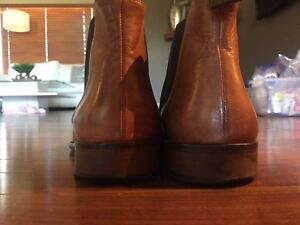 Dino Draghi Chelsea Boots men's size 8.5 made in Italy VGUC