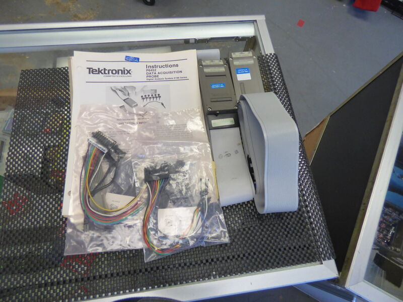 Tektronix 010-6452-00 P6452 Data Acquisition Probe with extras  Lot of 2