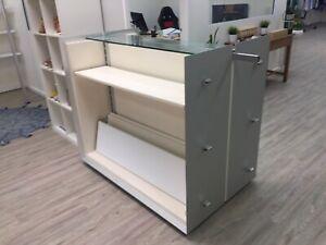 Retail display cabinet / gondola Noranda Bayswater Area Preview